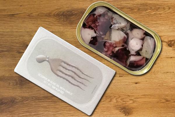 Oktopus in Olivenöl mit Knoblauch