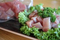 Thunfisch in Würfel geschnitten